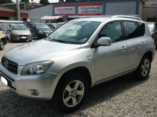 TOYOTA RAV 4 2.2 D-4D 4x4 SOL